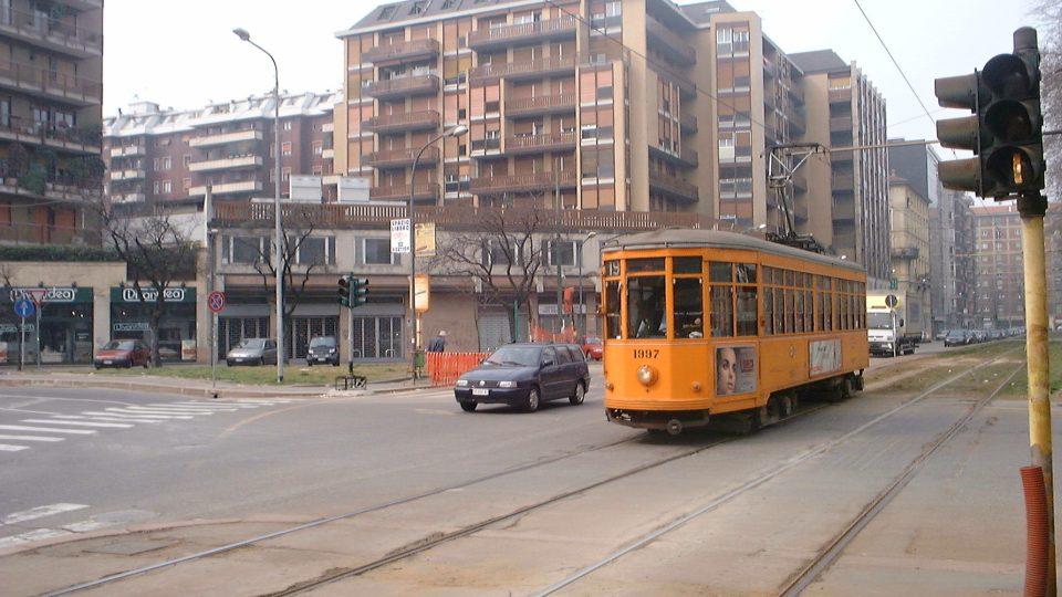 Moderní doprava zatím historické tramvaje v Miláně z provozu nevyřadila