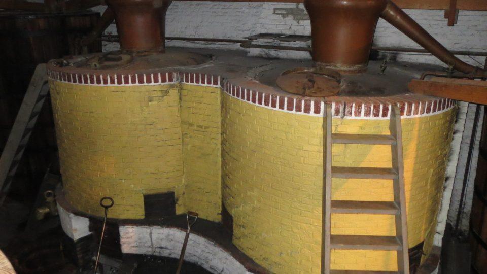 Pracovníci muzea oblíbený likér dodnes vyrábějí