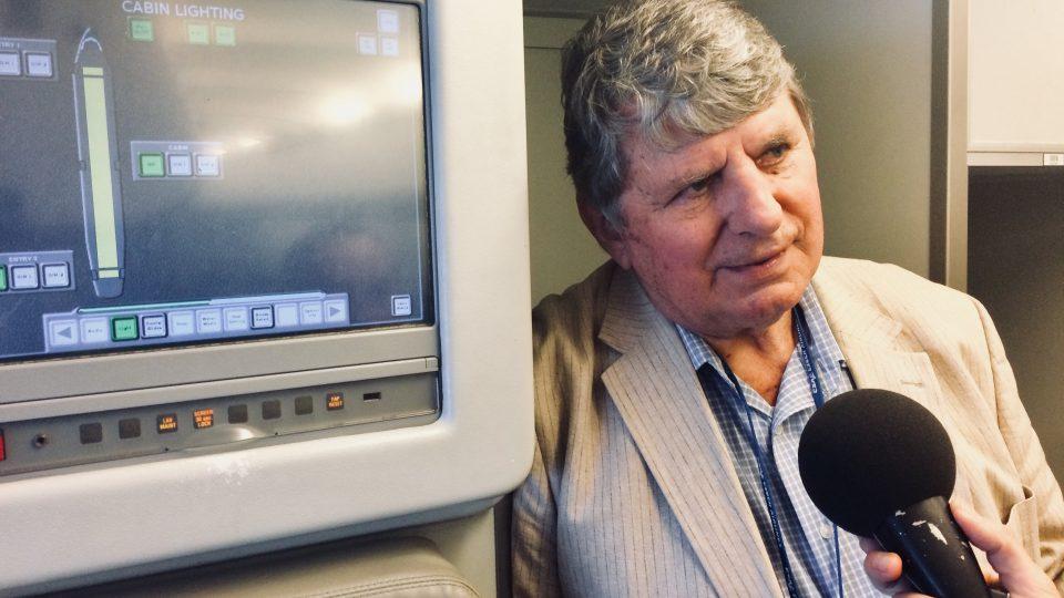 Při natáčení rozhovoru s pilotem Milošem Kvapilem