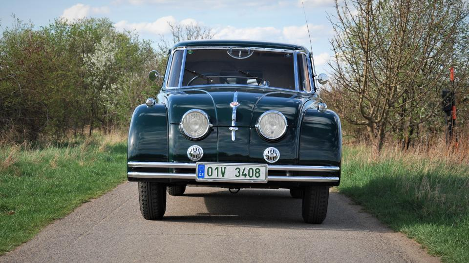 Tatra 77