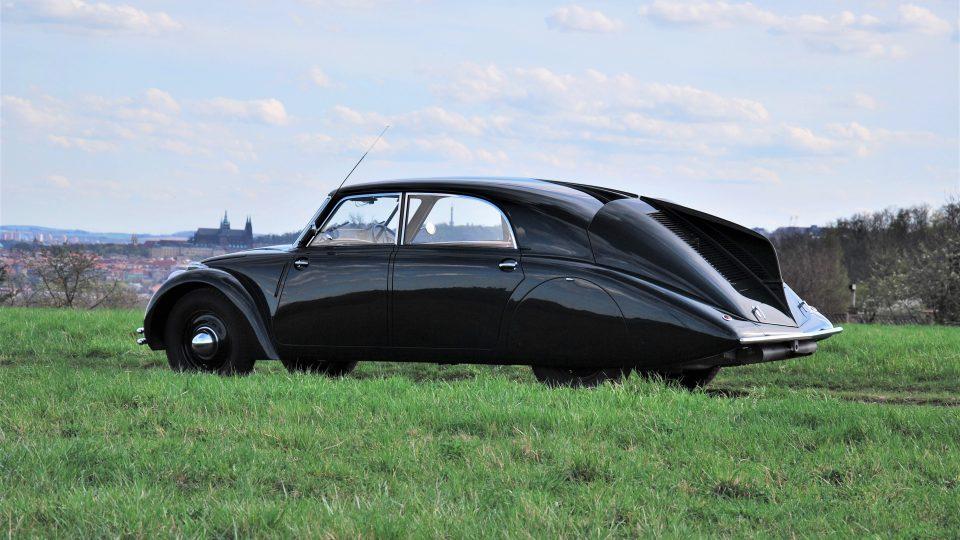 Hans Ledwinka, Erich Übelacker: Automobil Tatra 77