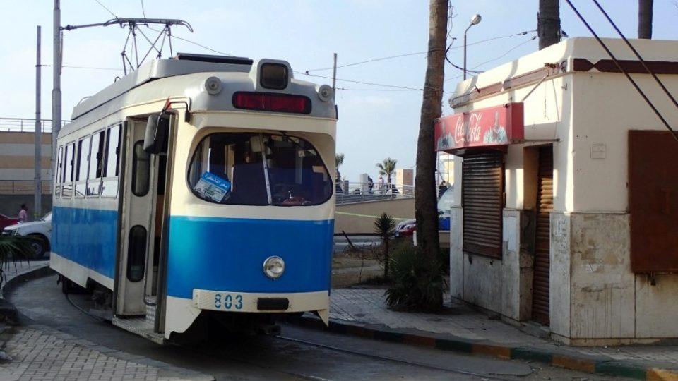Tramvaj ze šedesátých let prožívá v Alexandrii svoje zmrtvýchvstání