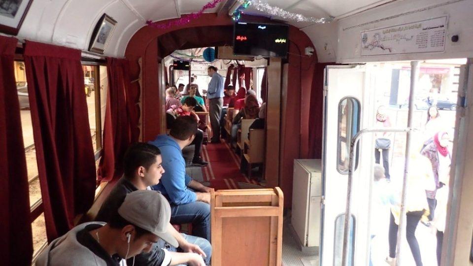 Přestože je jízdné vyšší než je standard, o jízdu ve speciální tramvaji je zájem