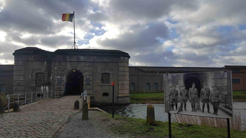 Vstup do pevnosti Breendonk, která se před nacistickou okupací na pár dní stala útočištěm i pro belgického krále Leopolda III.