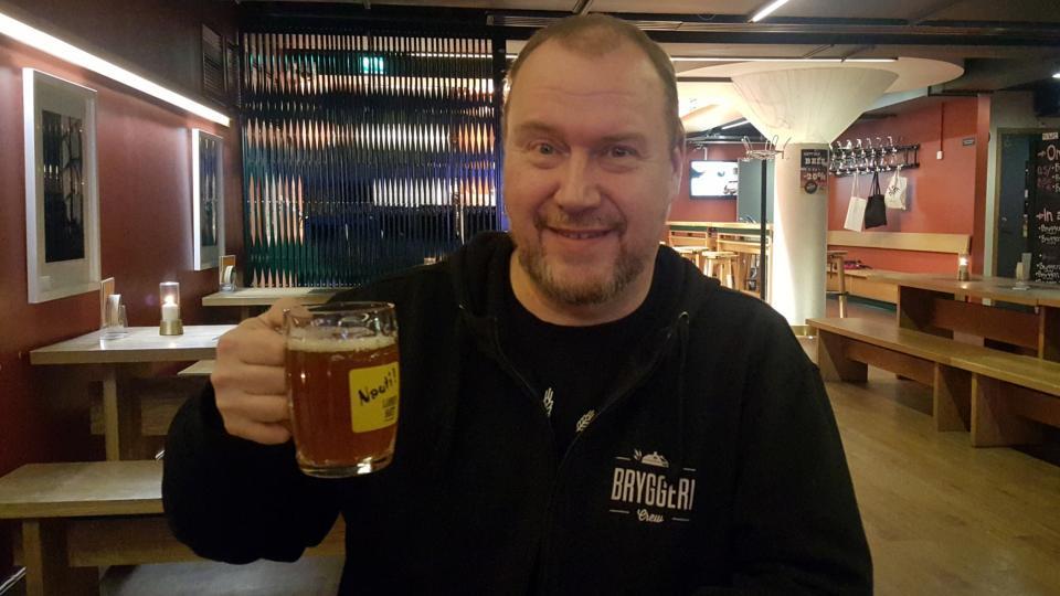 Pivní sommeliér Olli Majanen má o finském pivu sahti skoro encyklopedické znalosti