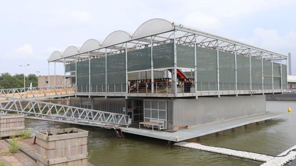 První plovoucí farma na světě nemohla vzniknout jinde než v Holandsku