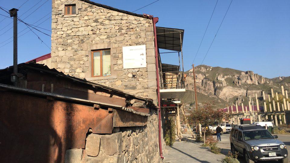 Arménské město Goris je plné zajímavostí