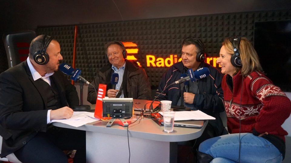 Roman Bomboš a Hanka Shánělová s Dáriusem Rusnákem a Jiřím Králíkem