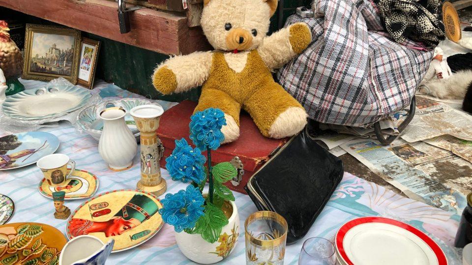 Hodně lidí na moskevský bleší trh míří kvůli věcem, které se už nevyrábí – kvůli starým hračkám, loutkám nebo vánočním ozdobám, jaké si pamatují z dětství