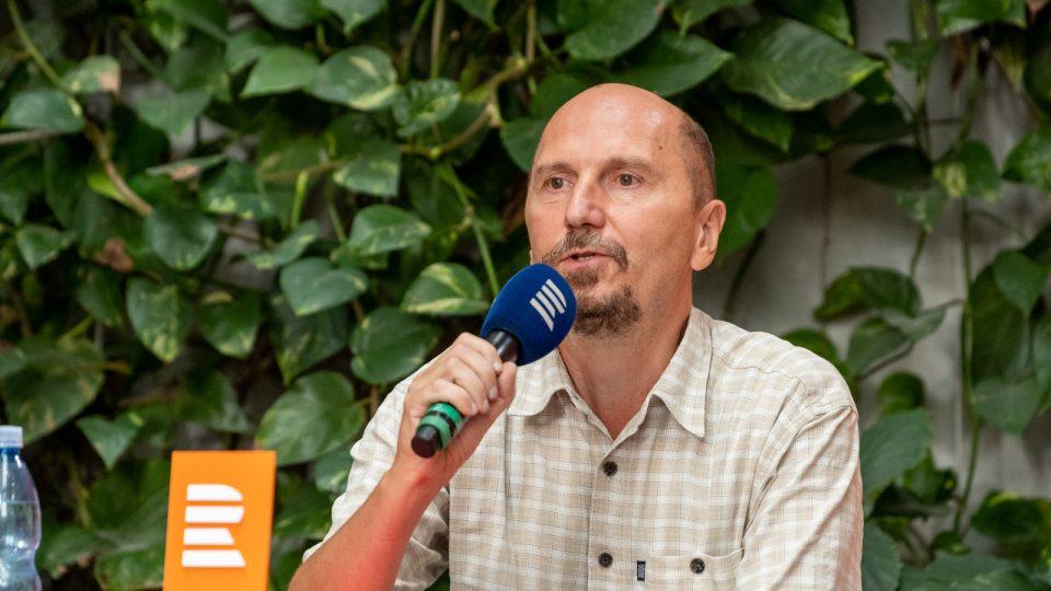 Petr Hartman, komentátor Českého rozhlasu