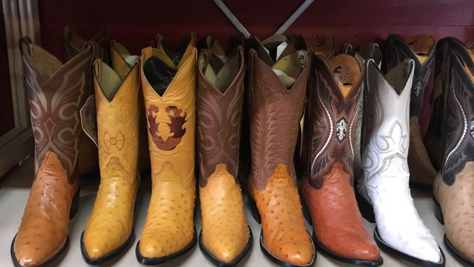 Vysoké boty nosili kovbojové kvůli ochraně před hadím uštknutím
