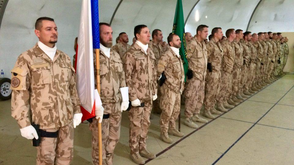 Vojáci v Kábulu převzali medaile NATO