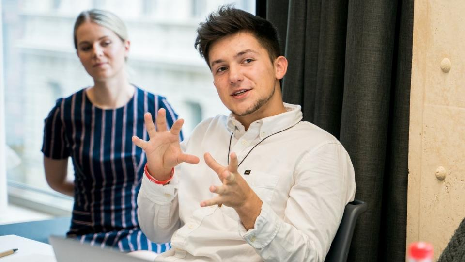 Maturitu napoprvé neudělal. Zkušeností z praxe má ale devatenáctiletý podnikatel Maxim Kozlov víc než řada protřelých byznysmenů
