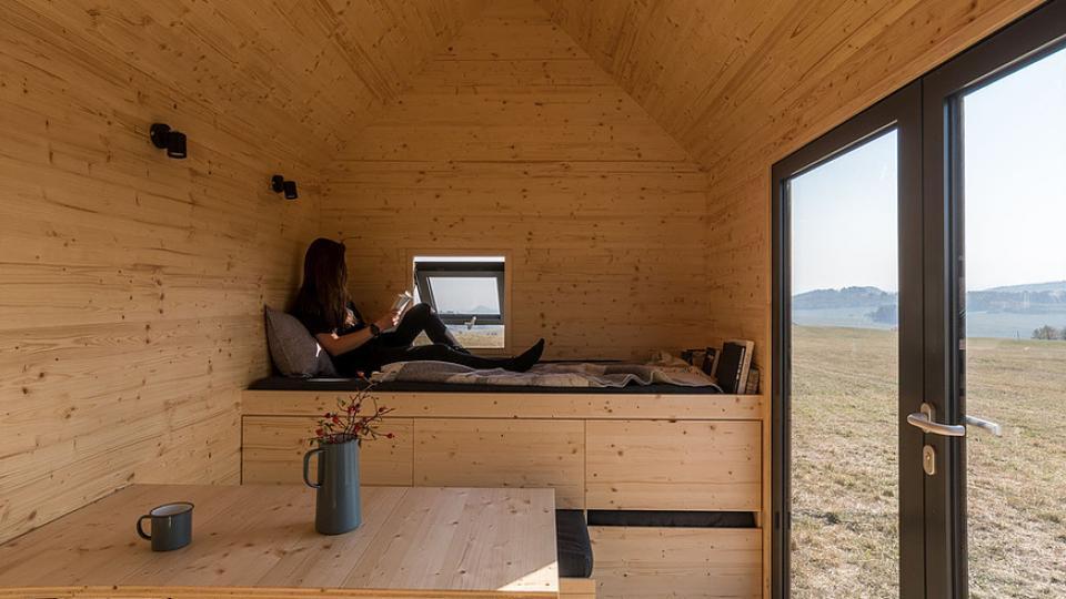 Podle propagátorů architektonického a sociálního hnutí Tiny houses by nám měl stačit domeček o výměře do 50 metrů čtverečních