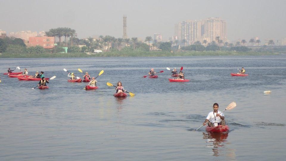 Voda v Nilu obsahuje všechno od průmyslových těžkých kovů přes splašky a chemická hnojiva až po PET lahve a uhynulá zvířata