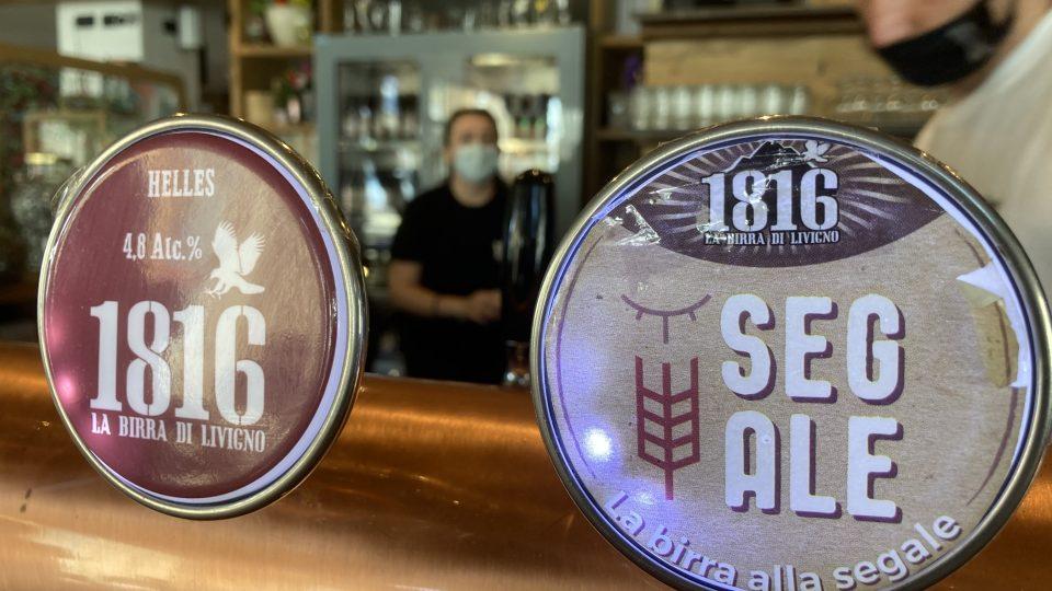 Kromě vytříbených chutí používá pivovar 1816 i zdařilou grafiku, jak se na malý podnik sluší