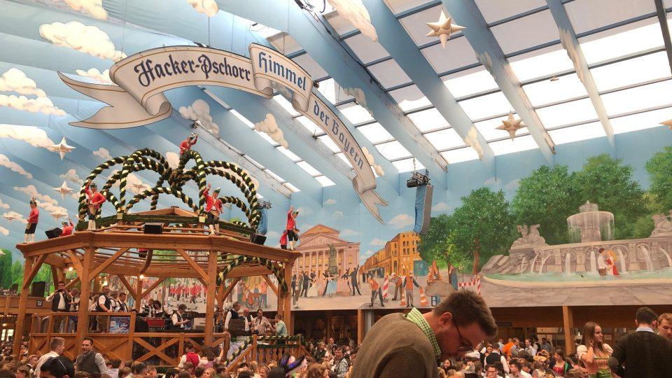 Oktoberfest je největší svátek piva a bavorských tradic