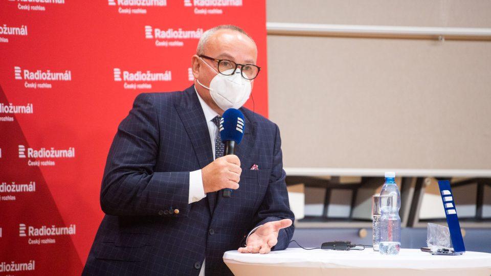 Moderátorem předvolební superdebaty byl Jan Pokorný