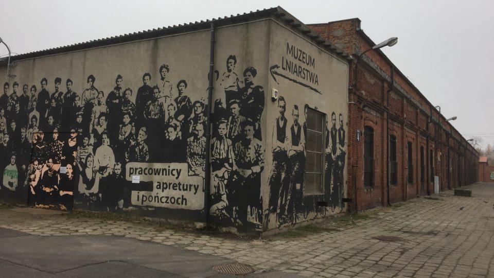 Muzeum průmyslové výroby lněného plátna v Žyrardowě jen tak neminete