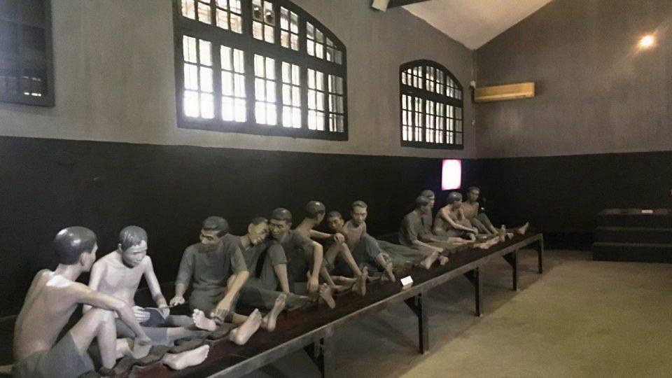 Za vlády koloniální Francie byla věznice Hoa Lo místem utrpení