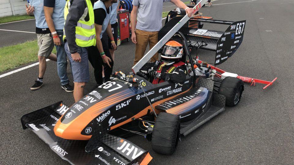 V roce 2018 získal tým E-Force v závodu zlato, letos skončil na celkovém druhém místě