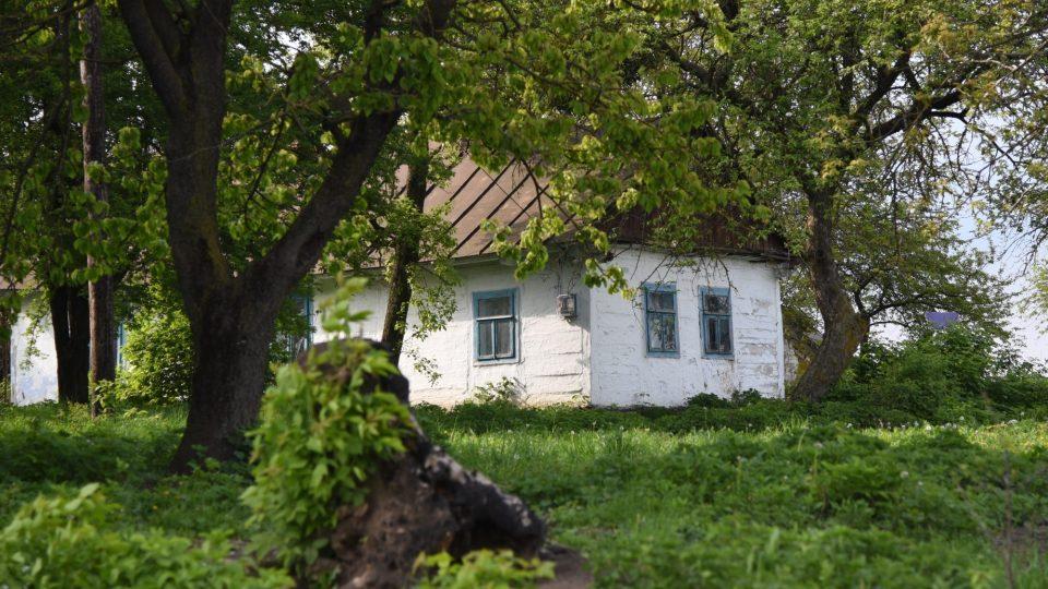 Ve Volyni na Ukrajině už často žádní Češi nežijí. Zůstaly tam po nich ale domy,  kostely,  hasičské zbrojnice nebo hřbitovy