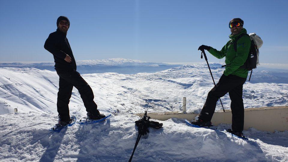 Za krásného počasí si Libanonci mohou ráno zajet na lyže a odpoledne vyměnit bundy za plavky na pláží