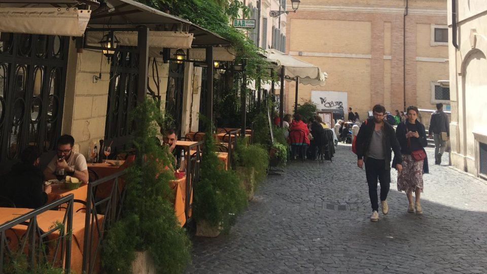 V centru Říma nemusíte posvačit jen pizzu nebo hranolky