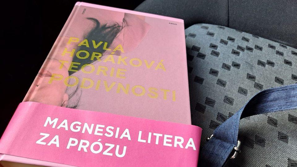 Pavla Horáková získala za svůj román Teorie podivnosti ocenění Magnesia Litera
