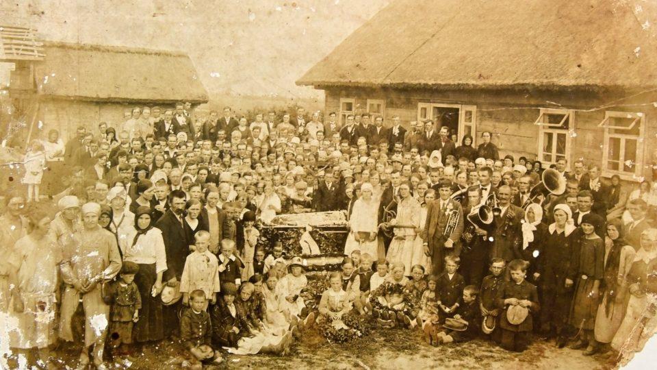 Volyňští Češi na dobové fotografii