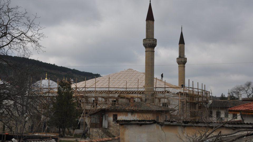 Ruské úřady pojaly rekonstrukci historického paláce krymských chánů ve velkém stylu. Ne každému se to ovšem zamlouvá