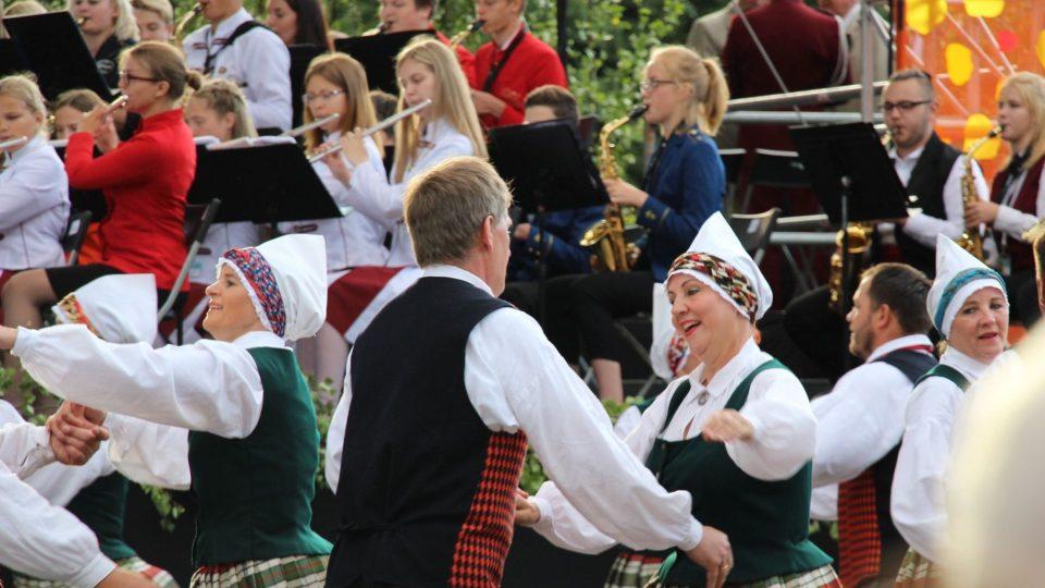 Festival zpěvu a tance se v Rize koná jednou za pět let.