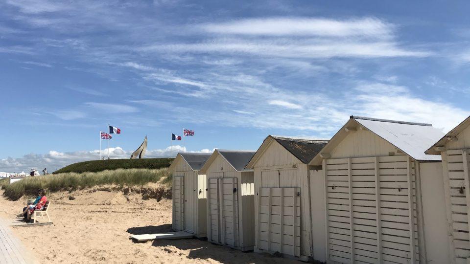 Ouistreham je dnes poklidné přístavní městečko v departmentu Calvados. Má ale za sebou velkou historii