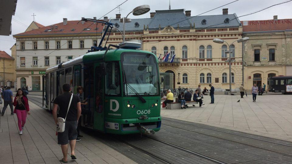 Osijek je největší město v chorvatské Slavonii. Žije tu na 100 tisíc obyvatel.