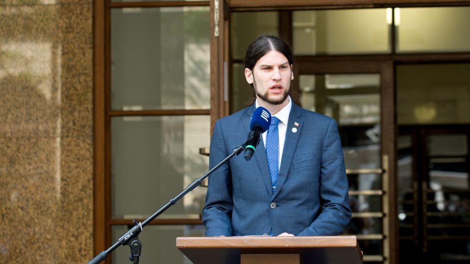 Místopředseda Vojtěch Pikal (Piráti) zdůraznil důležitost svobody slova a veřejnoprávních médií