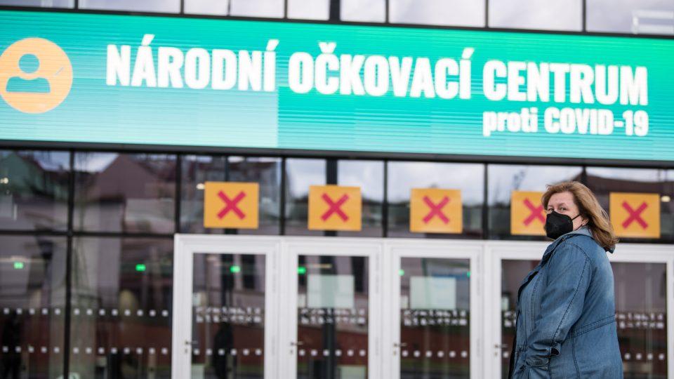 V Praze se 3.5. bylo otevřeno očkovací centrum O2 Universum.