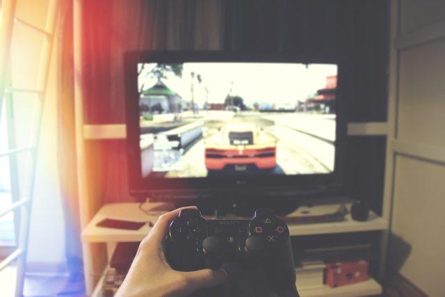 Počítač – počítačové hry – hráči