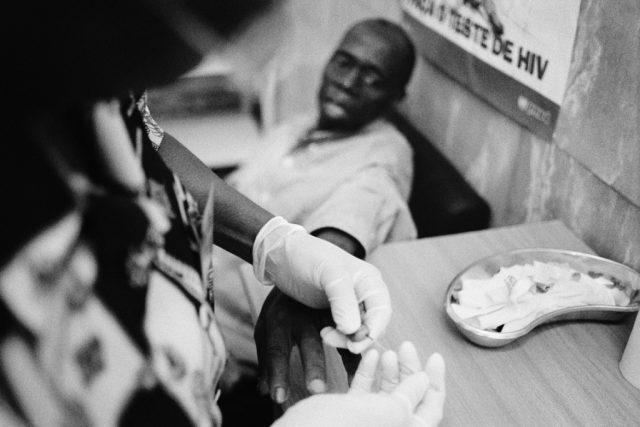MOŽNOST LÉČBY DODÁVÁ ODVAHU K TESTU NA HIV