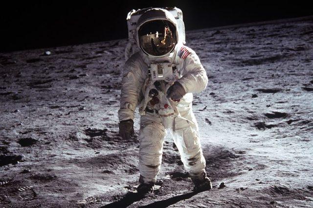 Měsíc je nejlépe zkoumaným tělesem ve vesmíru,  avšak stále má své záhady. | foto:  NASA