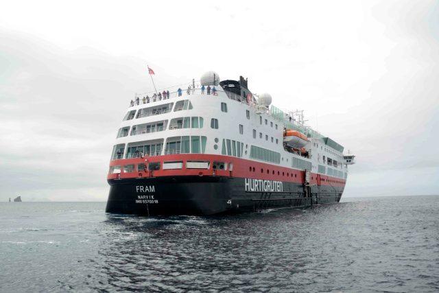 Novodobá jmenovkyně slavné polární lodi Fram dopravuje turisty z Argentiny k antarktickým břehům