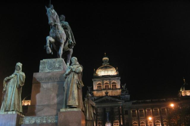 Sv. Václav na Václavském náměstí v Praze byl svědkem mnohých historických událostí