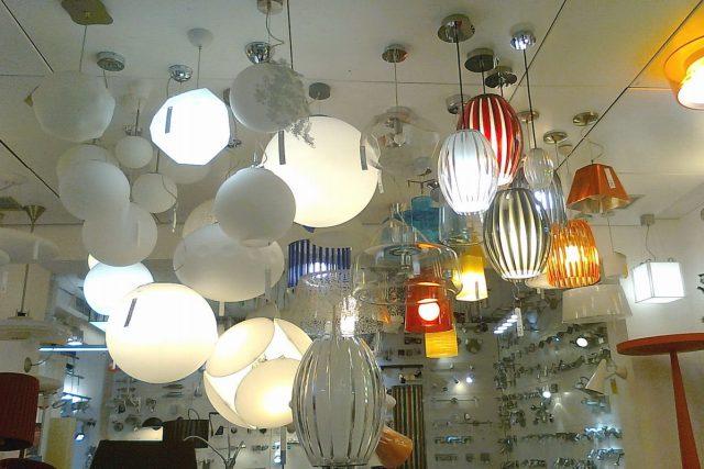 svítidla, lustry, lampy, osvětlení, design (ilustrační foto)
