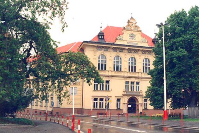 Gymnázium Pierra de Coubertina v Táboře