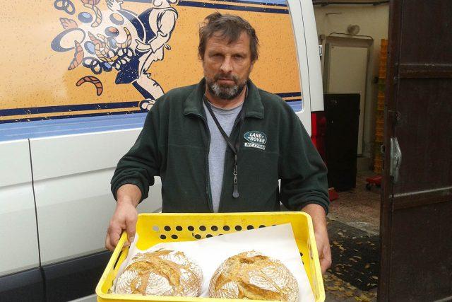 Karel Rendl na první pohled nevypadá jako pekař