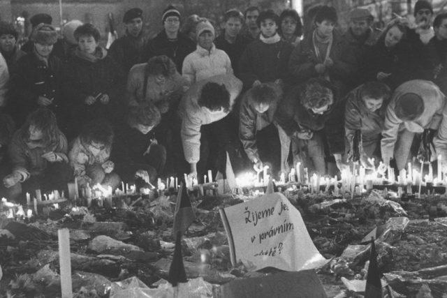 Listopad 1989_sametová revoluce
