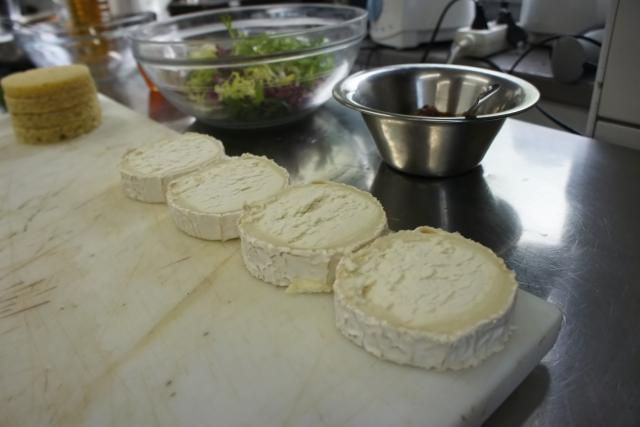 Příprava kozího sýru
