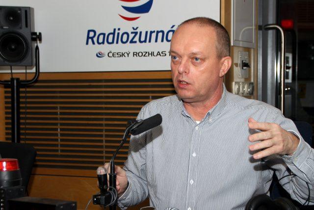 Rehabilitační lékař Vítězslav Hradil popsal,  které sporty neprospívají našemu pohybovému aparátu | foto: Šárka Ševčíková,  Český rozhlas