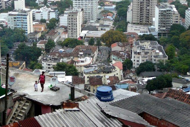 Chudí ve favelách v Riu de Janeiro bydlí vysoko nad těmi bohatými   foto: David Koubek,  Český rozhlas