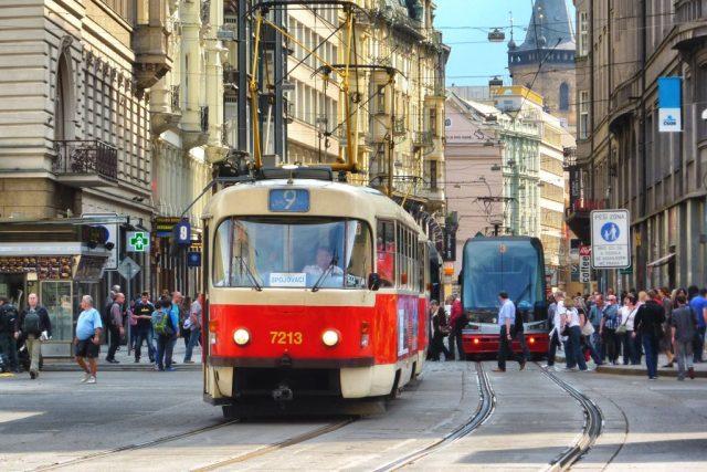 Tramvaje přes Václavské náměstí nepojedou dva měsíce