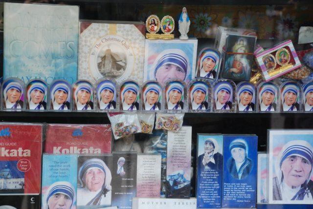 Matka Tereza coby suvenýr pro turisty